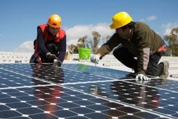 Buscan avanzar en la adhesión a la Ley Nacional 27424 que permite a los usuarios generar energía renovable e inyectar el excedente a la red eléctrica pública.