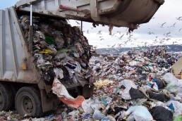 La ley de incineración de basura afectará a unas 20 mil personas de la industria del reciclaje.
